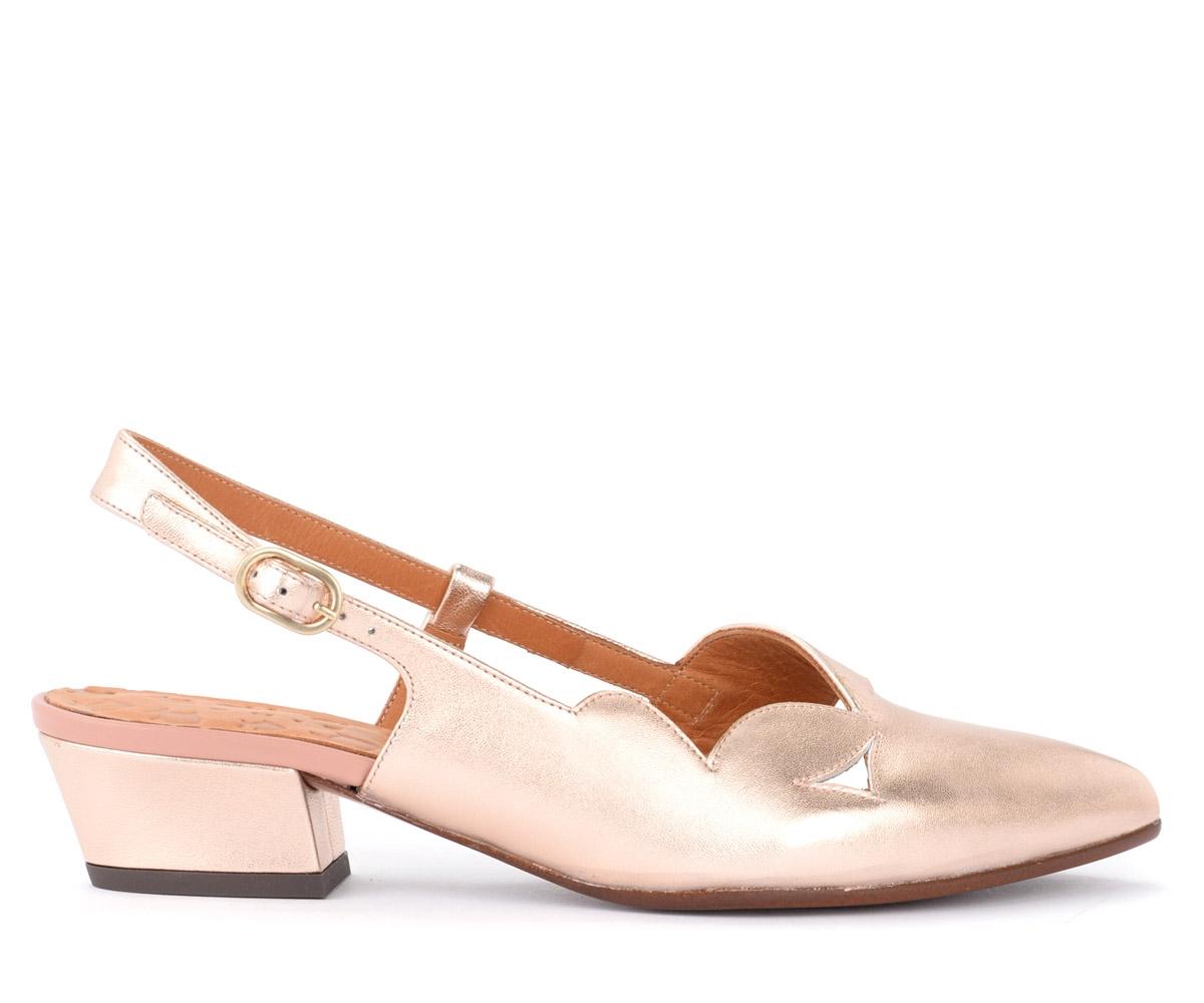 Sandales Rune en cuir laminé beige - Chie Mihara - Modalova