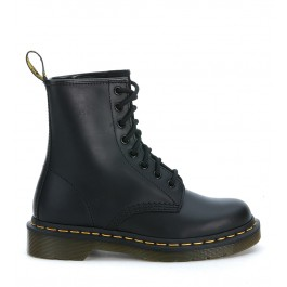 Dr Martens Classic 8 Eyelet Black Boot