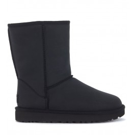 UGG Classic II Short black leather ankle boots