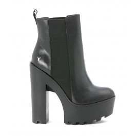Beatles Windsor Smith Grunt in black leather with high heel