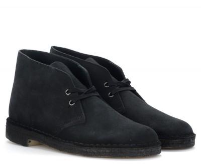 Laterale Clarks Originals Desert Boots in navy blue suede