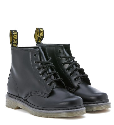 Laterale Dr. Martens 6 eyelet black smooth leather combat boot