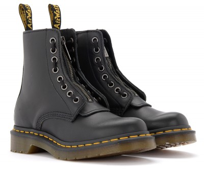 Laterale Dr Martens Pascal combat boots in black leather with front zip