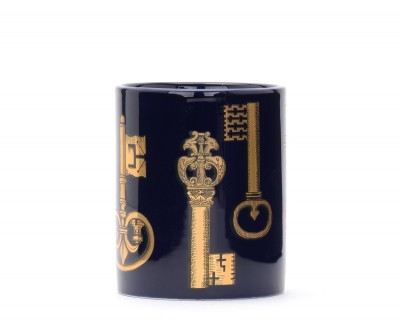 Laterale Fornasetti blue china keys candle.