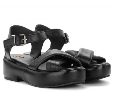 Laterale Moma wedge sandals in black leather