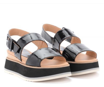 Laterale Paloma Barceló Javari sandals in black leather