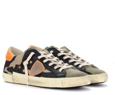 Laterale Philippe Model Paris X trainer in camouflage fabric with fluorescent spoiler