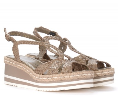 Laterale Pons Quintana wedge sandal in dove gray woven leather