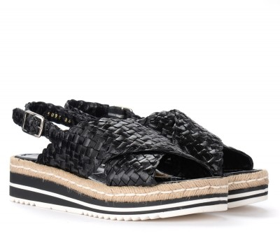 Laterale Pons Quintana sandal in black woven leather