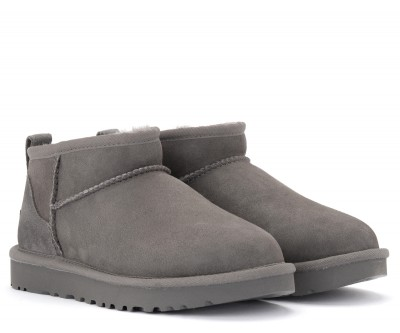 Laterale UGG Classic Ultra Mini gray ankle boot in suede