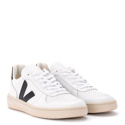 Laterale Sneaker Veja V-10 da uomo in pelle bianca con logo in gomma nera