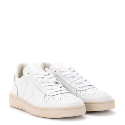 Laterale Veja V-10 women's sneaker in white leather with logo