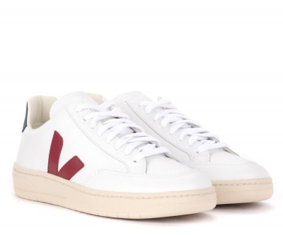 Laterale Veja V-12 sneaker in white leather with burgundy red rubber logo