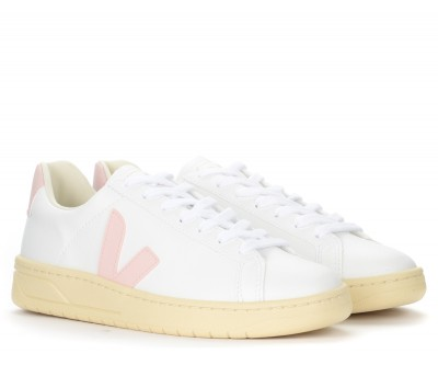 Laterale Veja Urca CWL trainer in white and pink vegan leather