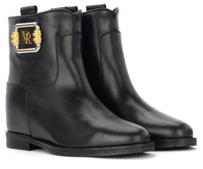 Laterale Via Roma 15 ankle boot in black leather with logo plaque