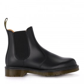 Dr. Martens 2976 black leather ankle boots