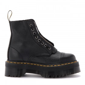 Dr. Martens Sinclair Amphibious boot in black hammered leather with a large treaded sole