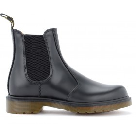 Women's chelsea boot Dr. Martens model 2976 made of black leather