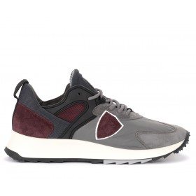 Philippe Model Royale sneaker in gray fabric and burgundy suede