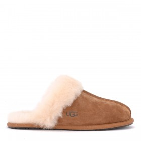 Ugg slipper Scuffette II model in chestnut suede