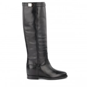 Via Roma 15 boot in black leather. Strap with silver turn lock