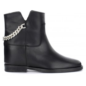 Via Roma 15 ankle boot in black leather with chain