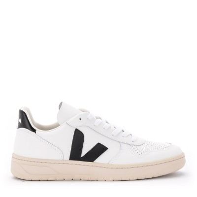Sneaker Veja V-10 in pelle bianca con logo in gomma nera