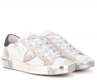 Laterale Philippe Model Sneaker Paris X in weißem Leder und Veloursleder mit schwarzem Spoiler