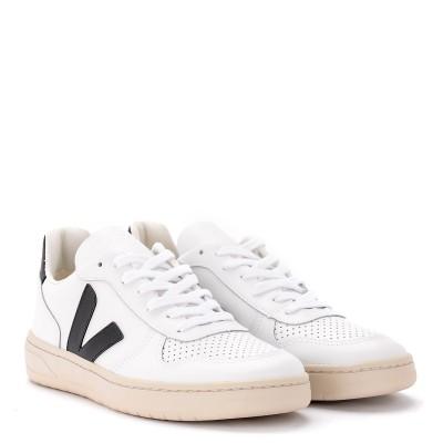 Laterale Sneaker Veja V-10 in Leder Weiss mit Logo in schwarzem Gummi