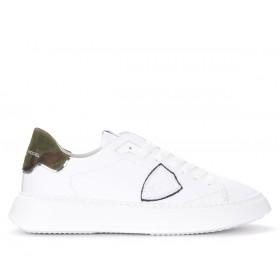 Sneaker Philippe Model Temple in weißem Leder und Camouflage Muster