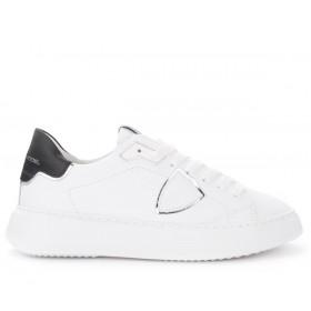 Philippe Model Sneaker Temple in weißem Leder mit schwarzem und silbernem Spoiler