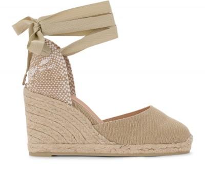 Sandalo con zeppa Castañer Carina in tela e tessuto color sabbia