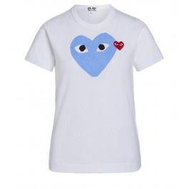 T-shirt Play by Comme des Garçons blanche avec cœur bleu clair