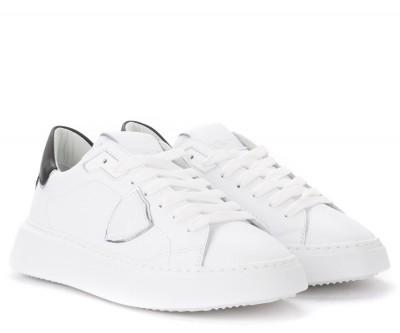 Laterale Sneaker Philippe Model Temple in pelle bianca con spoiler nero e argento