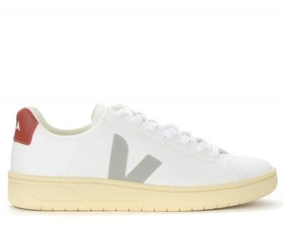 Sneaker Veja Urca in pelle bianca con logo grigio