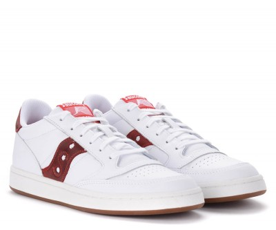 Laterale Sneaker Saucony Jazz Court bianca con logo rosso