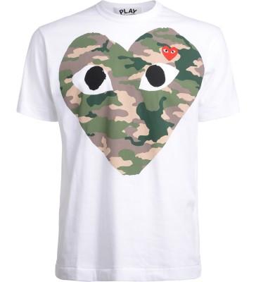 T-Shirt Comme Des Garçons PLAY bianca con cuore camouflage